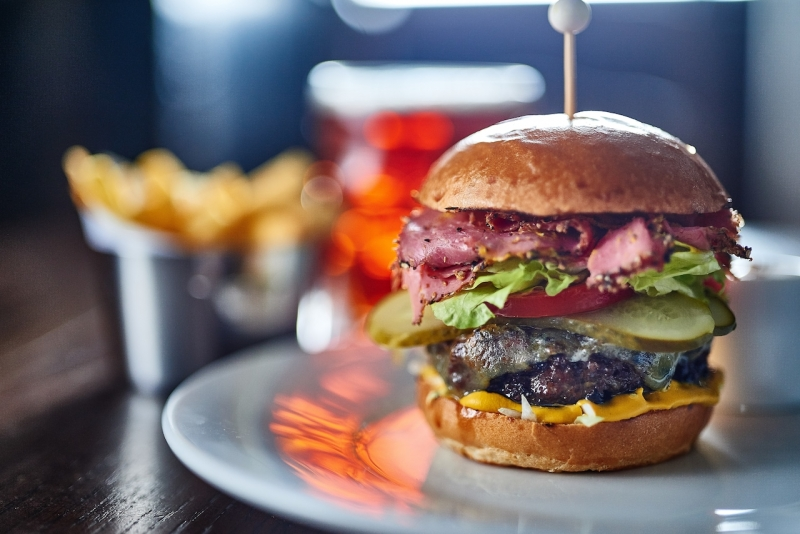 A burger at the Crown in Bray - Maidenhead Food