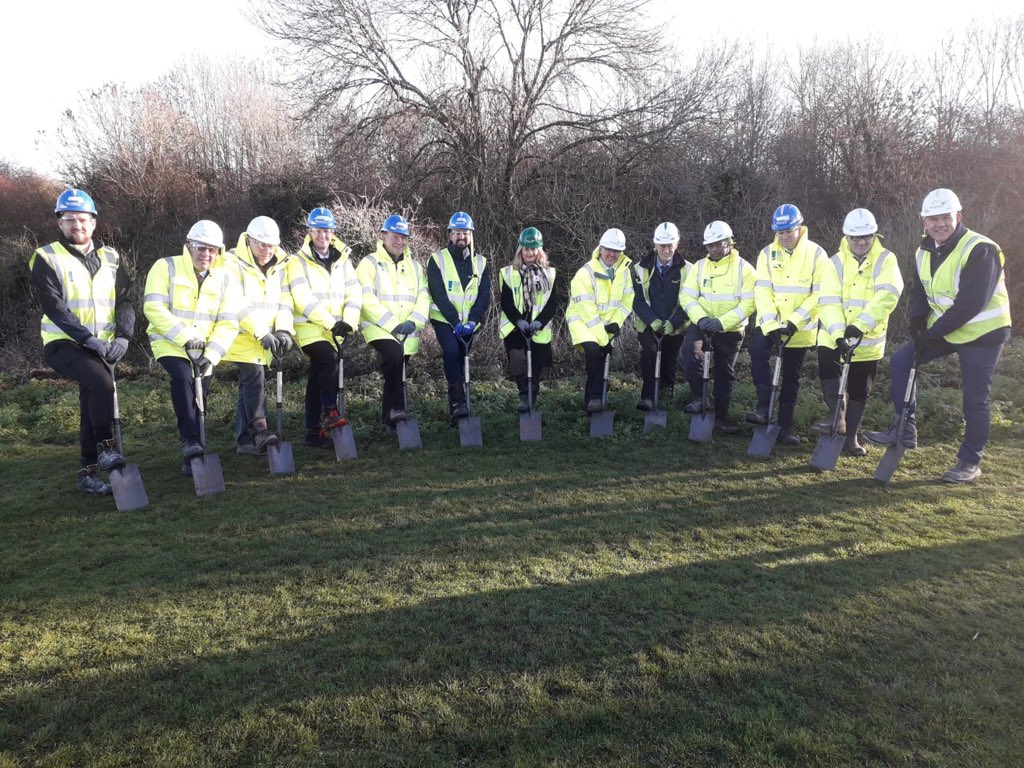 Braywick leisure centre plants 100 trees